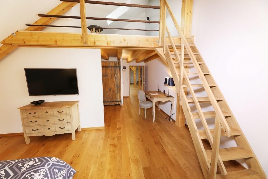 Escalier mezzanine chambre Duplex La Furieuse